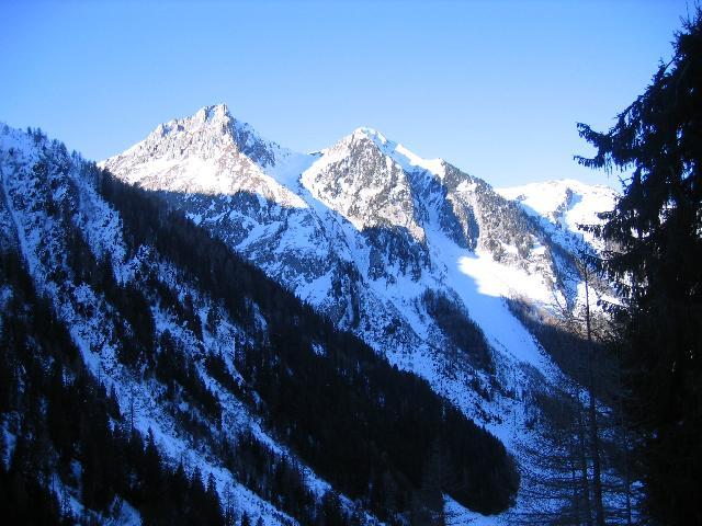 Ah, le Valais, ses montagnes... sa neige... IMG_8788